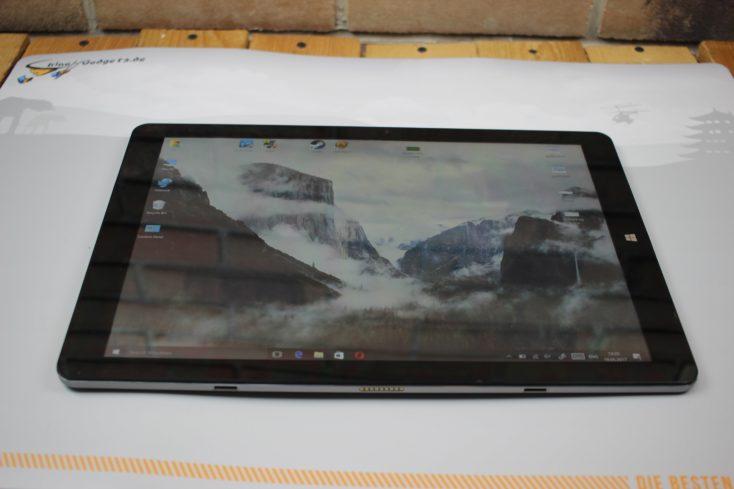 CHUWI Hi13 tablet display