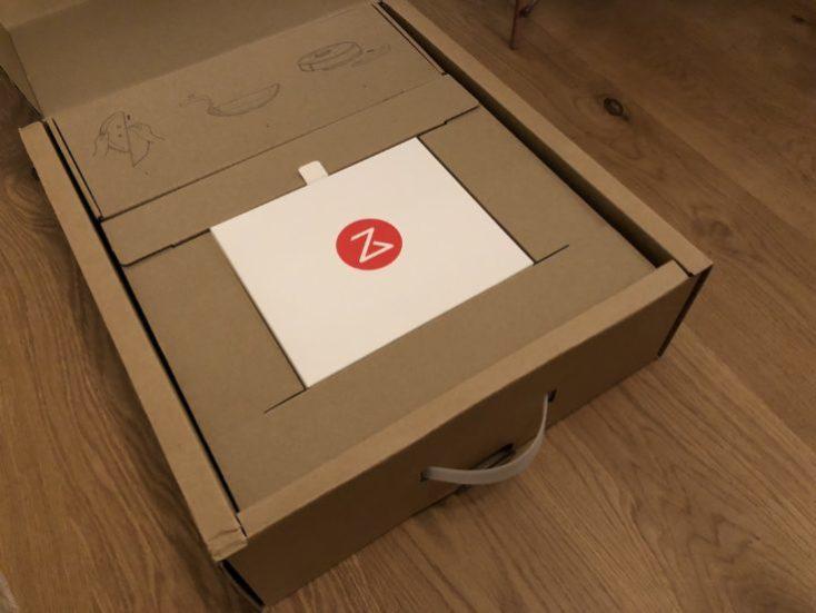 Xiaomi RoboRock Sweep One Vacuum robot Unboxing