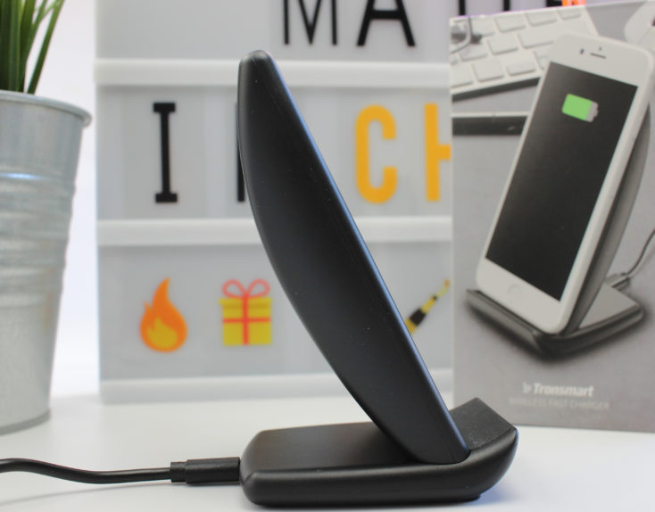 Tronsmart WC-01 wireless charger side