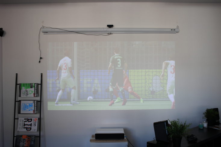 Fifa 18 projected by the Xiaomi Mi projector in a brighter room