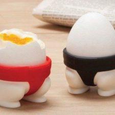 Sumo-Wrestler-egg cup
