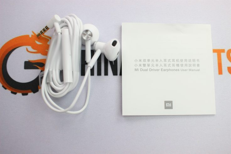 ac64480d371 Tested: New Xiaomi Half In-Ear headphones with ceramic driver for $15.99
