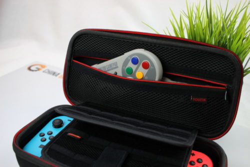 8Bitdo SF30 Bluetooth Gamepad in Switch Hardcase