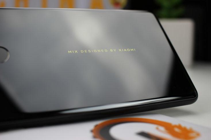 Xiaomi Mi Mix 2 Lettering