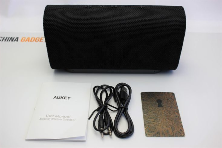 Aukey Eclipse Bluetooth Speaker Scope of delivery
