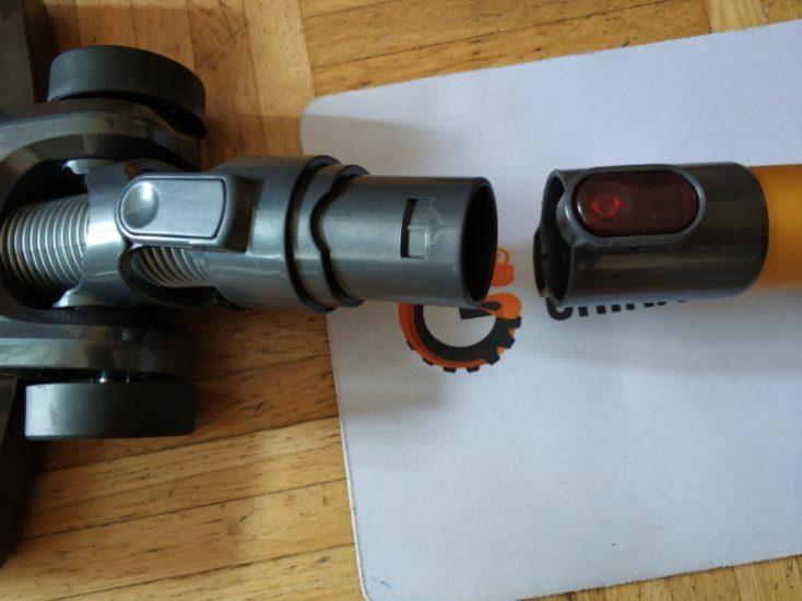 Dibea D18 Battery Vacuum Cleaner Flip Lock