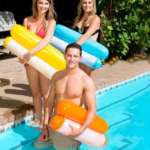 Foldable water hammock use