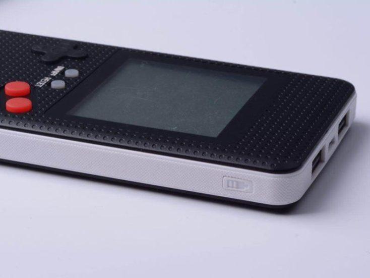 Xanes LF26 Game Boy Powerbank black