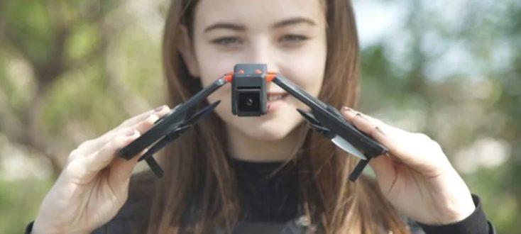 FunSnap iDol drone foldable design