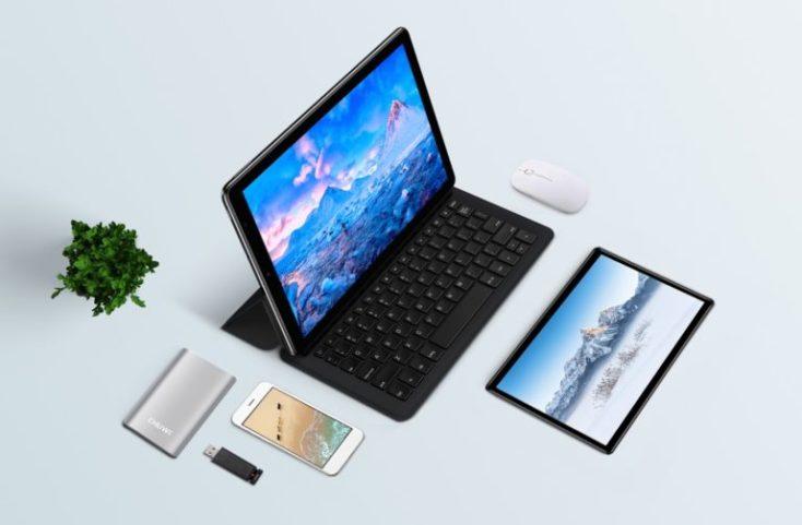 CHUWI Hi 9 Plus with keyboard
