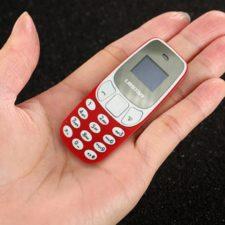 L8STAR BM10 Mini Mobile Phone in Hand