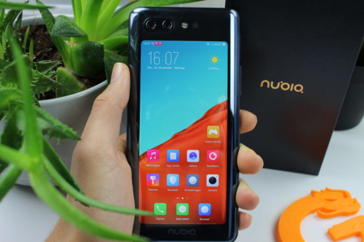 Nubia X back display
