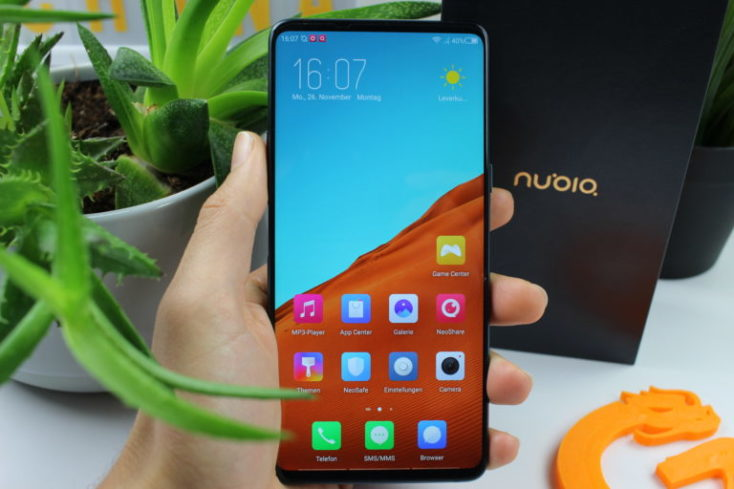 Nubia X front display