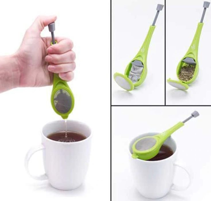 Tea strainer with press Functionality