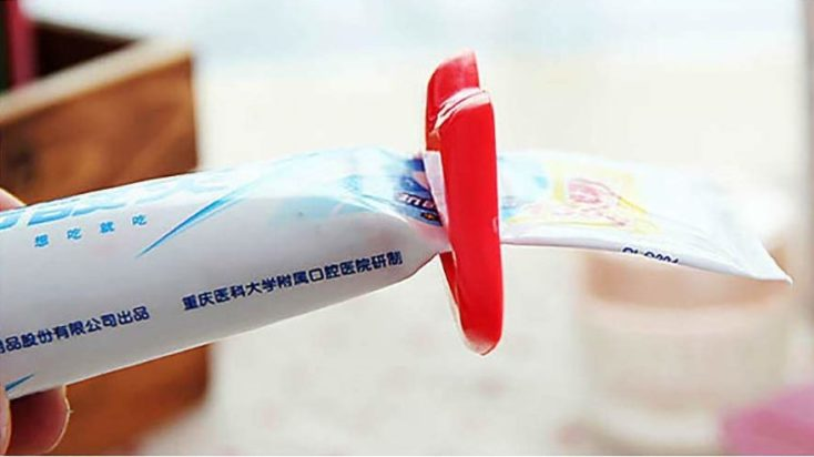 lip-shaped tube squeezer