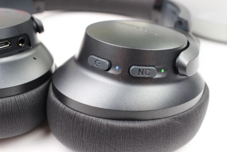 Anchor Soundcore Life 2 buttons left earpiece