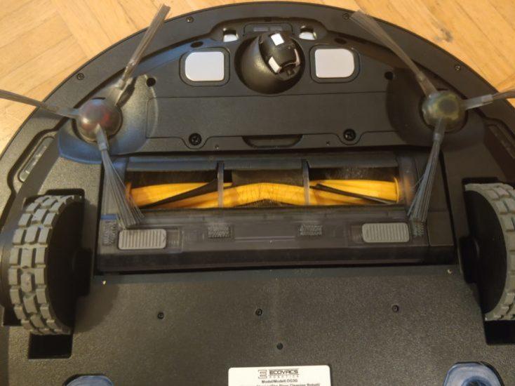 ECOVACS DEEBOT OZMO 930 vacuum robot underside sensors