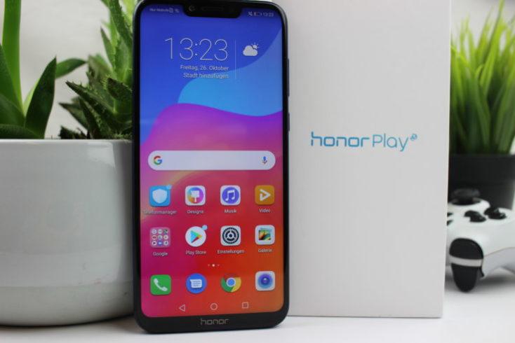 Honor Play Smartphone Packaging