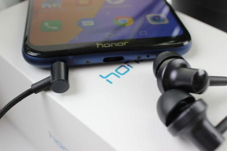 Honor Play Smartphone headphone jack