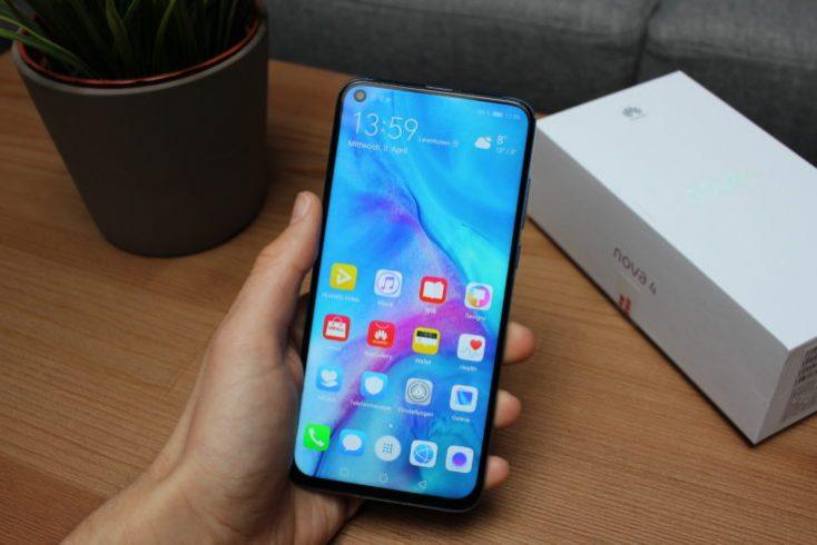Huawei Nova 4 Smartphone in Hand Display