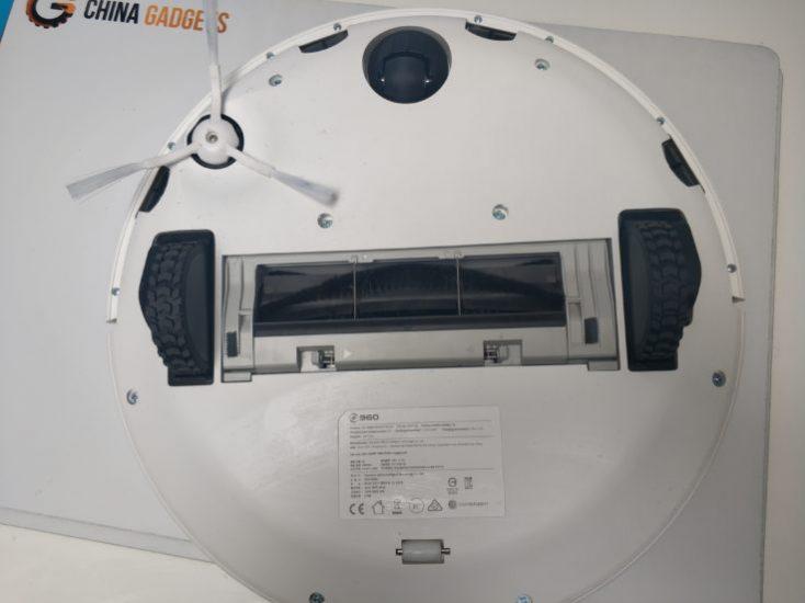 360 S5 Vacuum robot underside