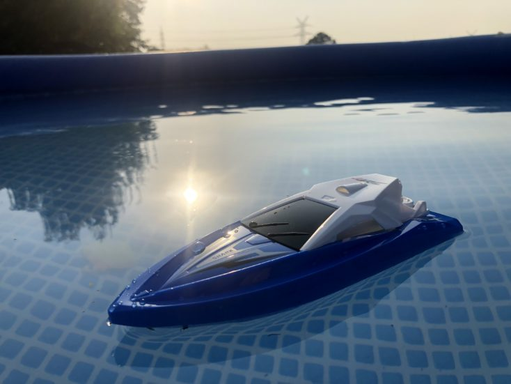 JJRC S5 Baby Shark: Remote-controlled boat for $15 99