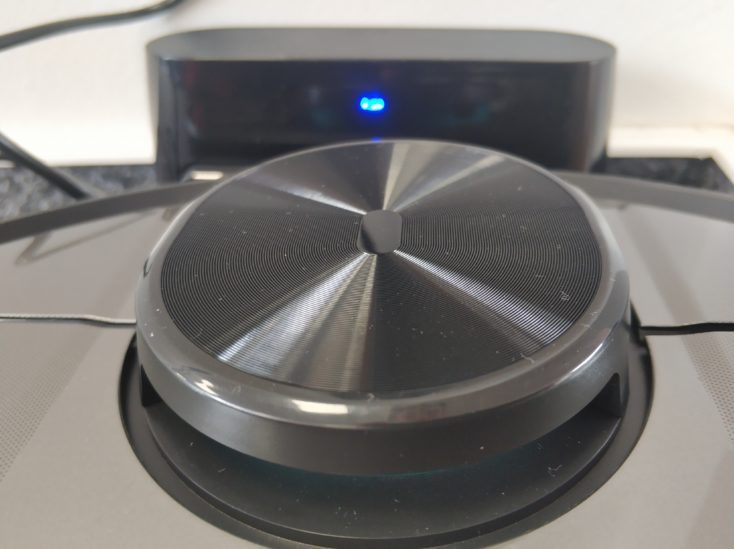 Viomi V2 vacuum robot at charging station