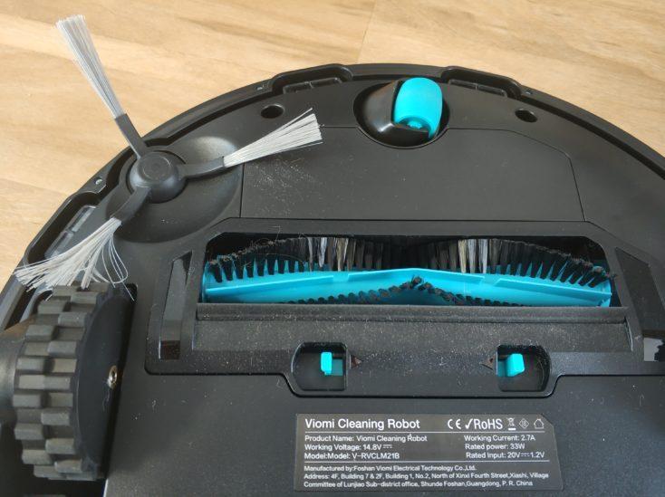 Viomi V2 vacuum robot underside brushes