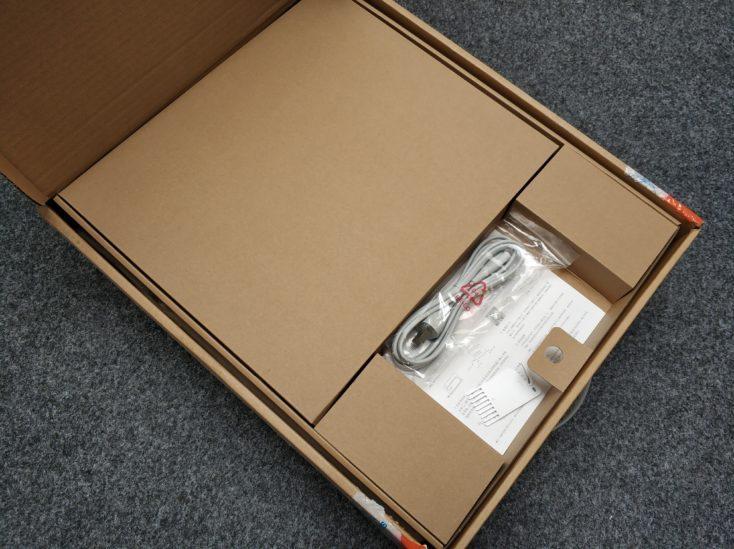 Xiaomi Mi Robot 1S vacuum robot packaging