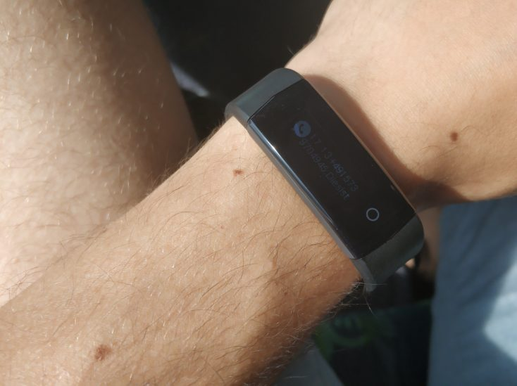 Lenovo HX06H Fitnesstracker Display Sun Irradiation