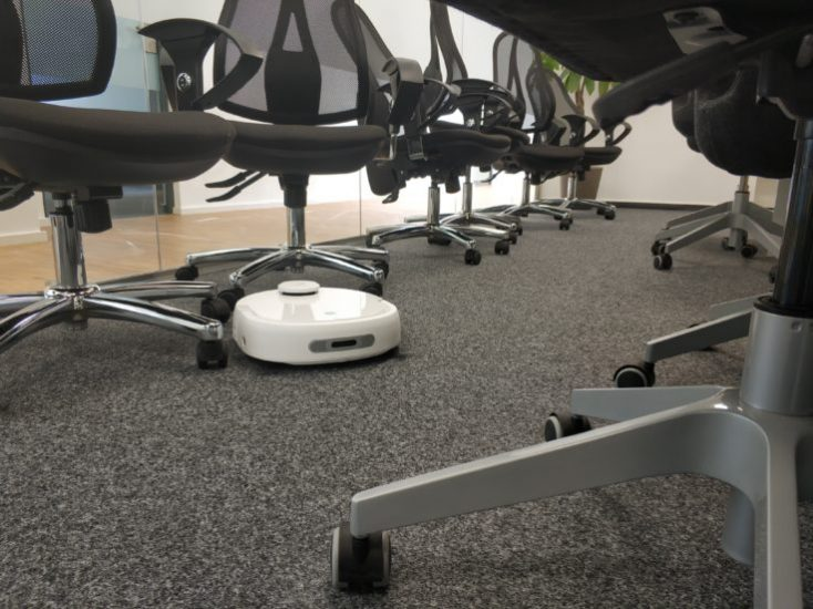 Narwal Robotics Vacuum robot Test drive Obstacle detection