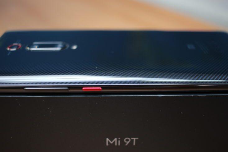 Xiaomi Mi 9T Side Design