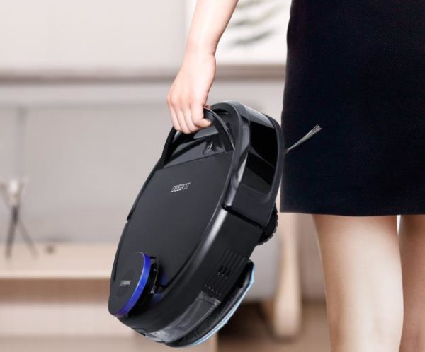 Ecovacs Deebot Ozmo 930 vacuum robot carrying handle
