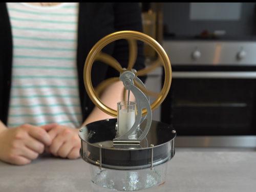 Stirling engine on glass