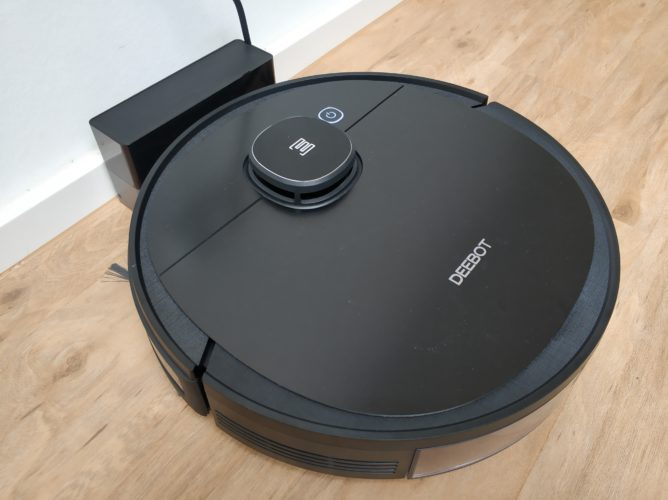 Ecovacs Deebot Ozmo 950 vacuum robot at charging station