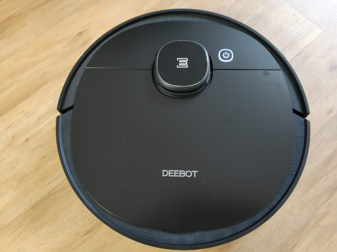 Ecovacs Deebot Ozmo 950 vacuum robot