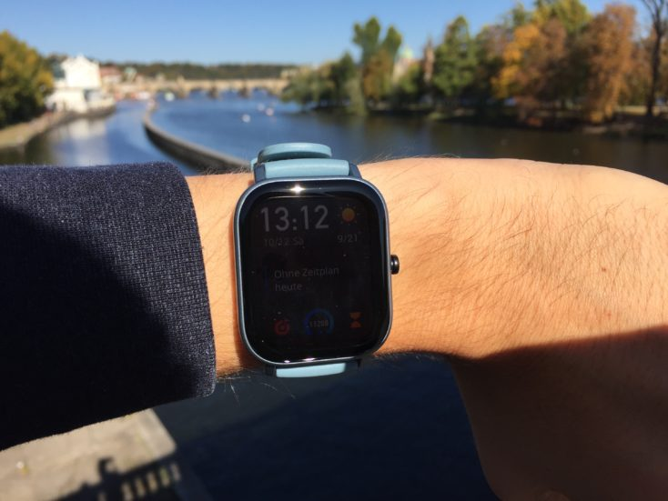 Huami Amazfit GTS strong solar radiation