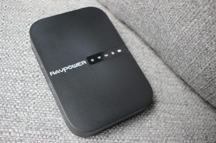 RAVPower Filehub Router front