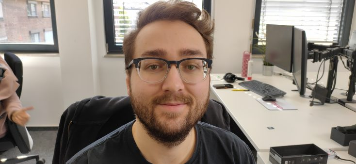 Realme X test photo main camera person