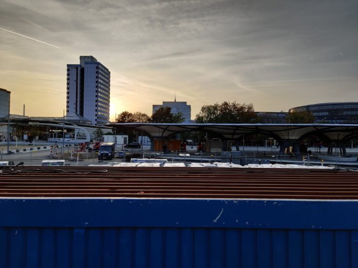 OnePlus 7T Building site