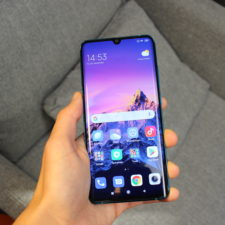 Xiaomi Mi Note 10 Smartphone Display