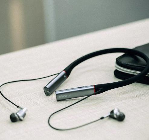 1MORE in-ear headphones