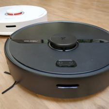 Roborock S6 Pure vacuum robot comparison with predecessor