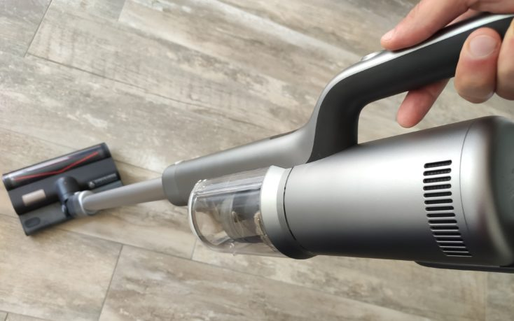 Roidmi NEX 2 Pro battery vacuum cleaner vacuuming and wiping