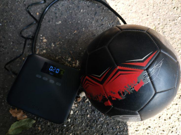 Xiaomi 70mai air pump compressor football