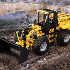 CaDA C51058 Bulldozer