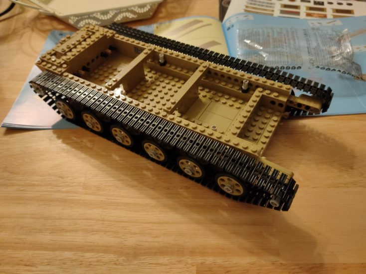 CaDA T90 tank C61003W half built