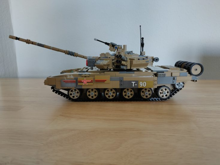 CaDA T90 tank C61003W with stickers 3