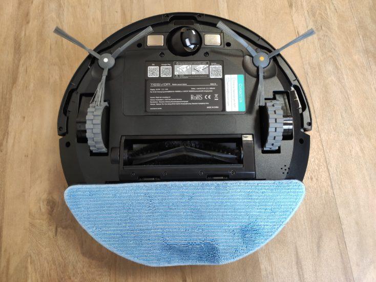 Tesvor S6 vacuum robot Underside wiping function