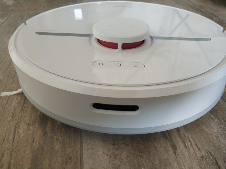 Dreame D9 vacuum robot front view